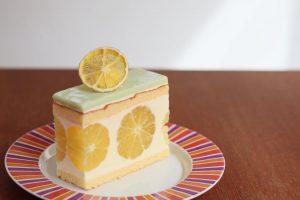 湘南ゴールドのケーキ